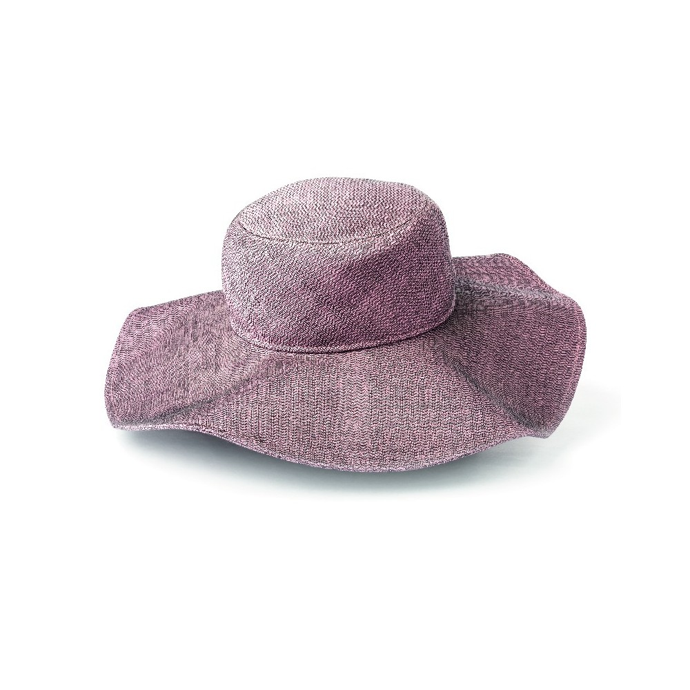 Cappello in seta a falda larga